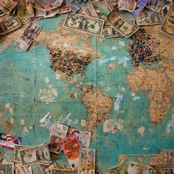 Comment ne pas dépenser trop d'argent quand on voyage?